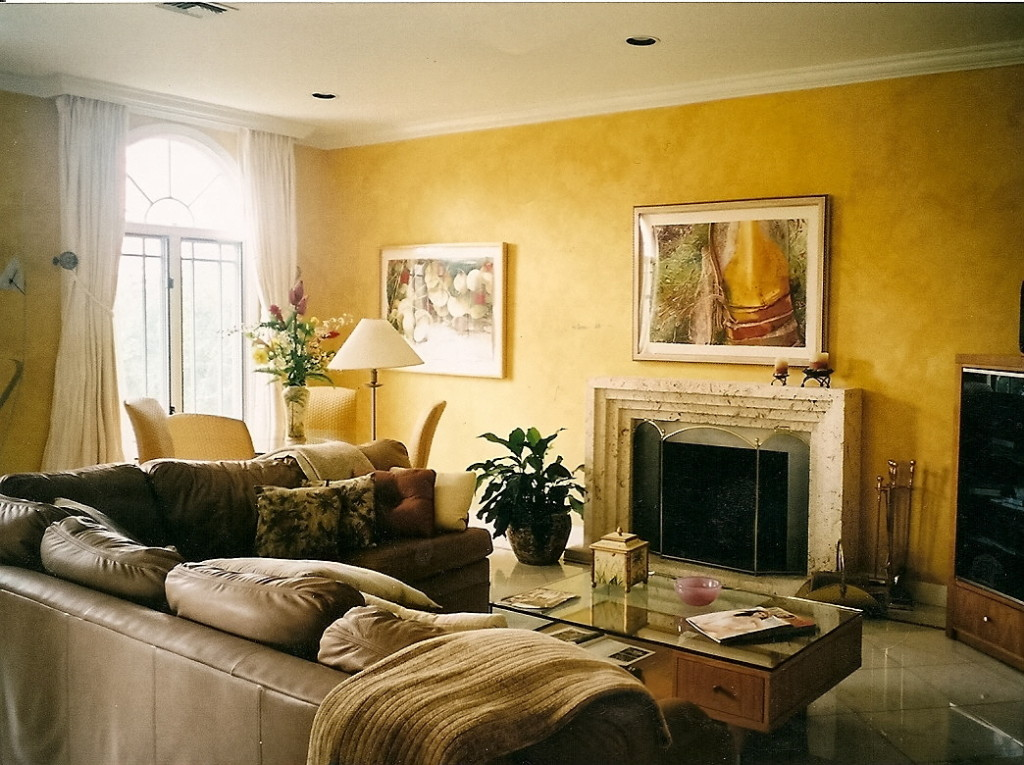 gold plaster family room