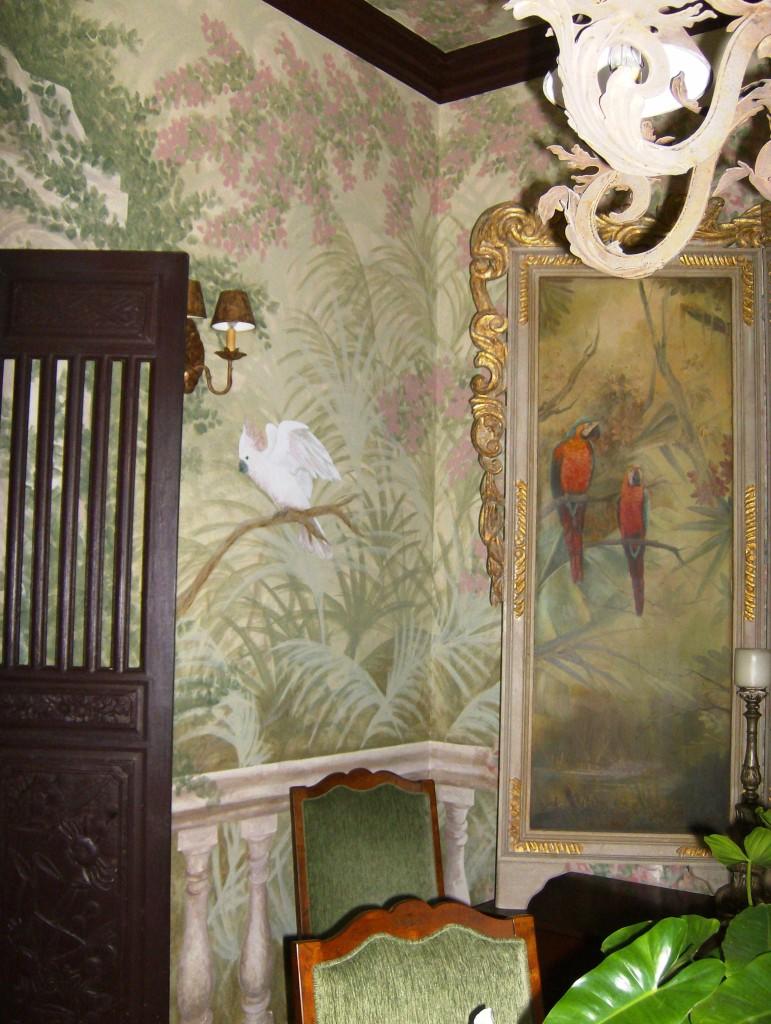 parrot dining room